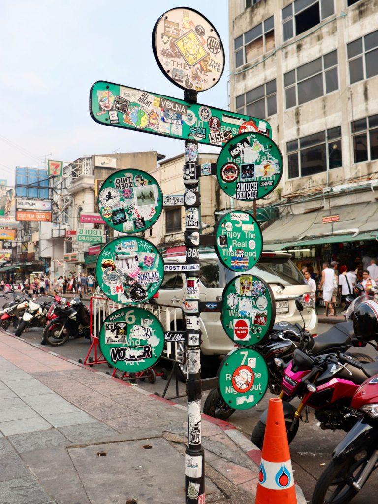 Bangkok Schild Khao San Road_komprimiert